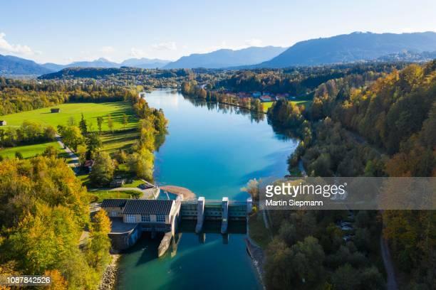 isar power plant, isar reservoir near bad toelz, drone shot, isarwinkel, upper bavaria, bavaria, germany - fiume isar foto e immagini stock