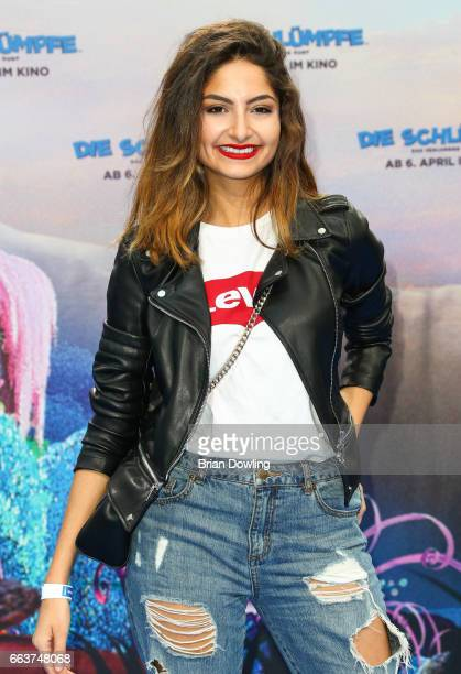 Ischtar Isik arrives at the 'Die Schluempfe Das verlorene Dorf' Berlin premiere at Sony Centre on April 2 2017 in Berlin Germany
