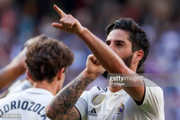 Isco Alarcon of Real Madrid celebrates his goal with team mates during the La Liga match between Real Madrid CF and RC Celta de Vigo at Estadio...