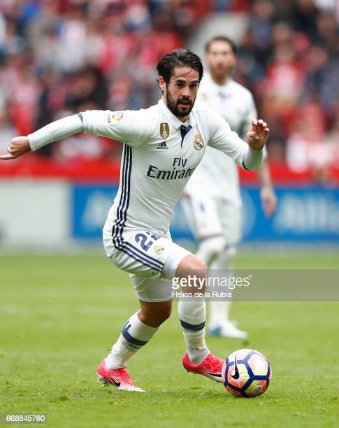 Isco Alarcon of Real Madrid in action during the La Liga match between Real Sporting de Gijon and Real Madrid at Estadio El Molinon on April 15 2017...