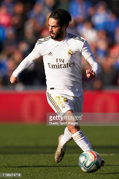 Isco Alarcon of Real Madrid runs with the ball during the Liga match between Getafe CF and Real Madrid CF at Coliseum Alfonso Perez on January 04,...