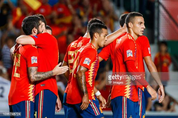 Isco Alarcon of Spain celebrates his goal with team matesduring the UEFA Nations League A group four match between Spain and Croatia at Estadio...