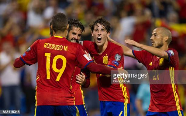 Isco Alarcon of Spain celebrates with teammates after scoring Spain's 3rd goal during the FIFA 2018 World Cup Qualifier between Spain and Albania at...