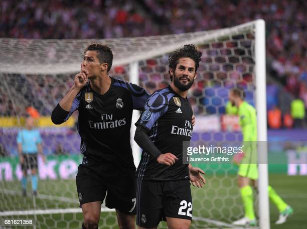 Isco of Real Madrid celebrates scoring his team's opening goal with Cristiano Ronaldo during the UEFA Champions League Semi Final second leg match...