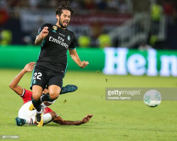 Isco of Real Madrid in action against Jesse Lingard of Manchester United during the UEFA Super Cup final between Real Madrid and Manchester United at...
