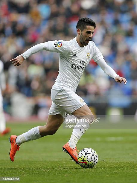 Isco of Real Madrid in action during the La Liga match between Real Madrid CF and Celta Vigo at Estadio Santiago Bernabeu on March 5 2016 in Madrid...