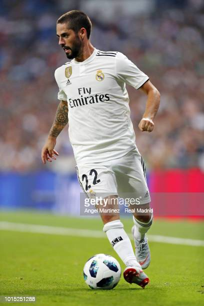 Isco of Real Madrid in action during the Trofeo Santiago Bernabeu match between Real Madrid and AC Milan at Estadio Santiago Bernabeu on August 11...