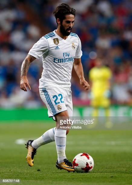Isco of Real Madrid in action during The Trofeo Santiago Bernabeu match Between Real Madrid CF and ACF Fiorentina at Estadio Santiago Bernabeu on...