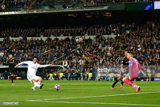 Isco of Real Madrid scores a goal to make it 10 during the UEFA Champions League round of 16 first leg match between Real Madrid and Manchester City...
