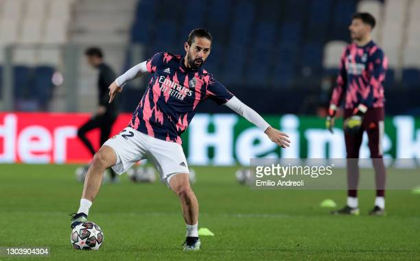 Isco of Real Madrid warms up prior to the UEFA Champions League Round of 16 match between Atalanta and Real Madrid at Gewiss Stadium on February 24,...