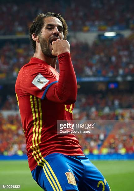 Isco of Spain celebrates after scoring the second goal during the FIFA 2018 World Cup Qualifier between Spain and Italy at Estadio Santiago Bernabeu...