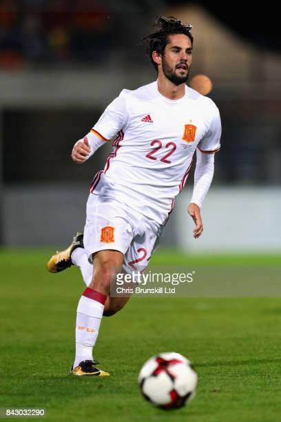 Isco of Spain in action during the FIFA 2018 World Cup Qualifier between Liechtenstein and Spain at Rheinpark Stadion on September 5 2017 in Vaduz...