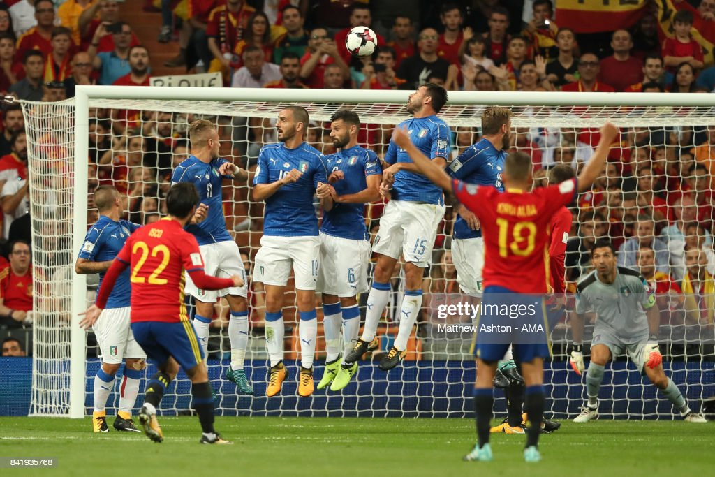 Spain v Italy - FIFA 2018 World Cup Qualifier : News Photo