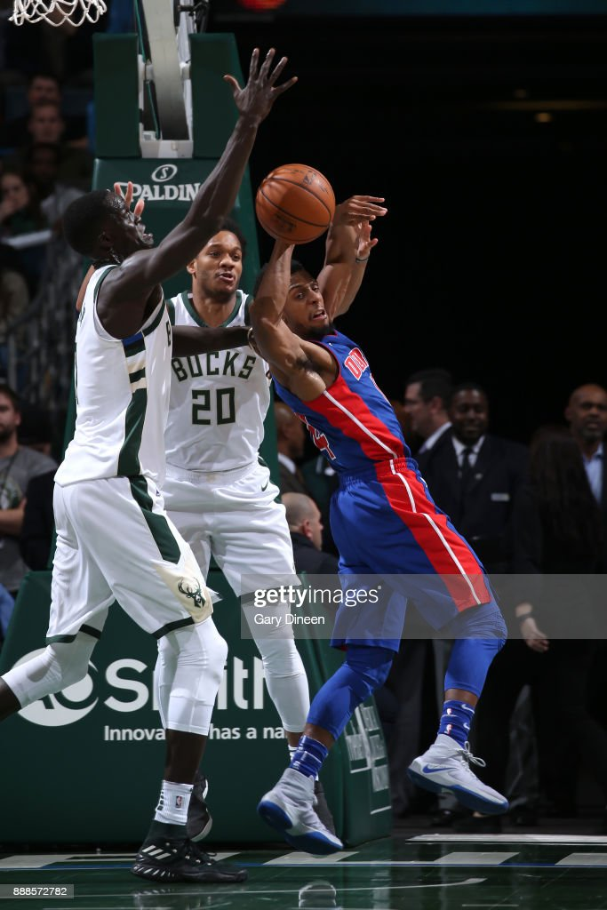 Ish Smith #14 of the Detroit Pistons handles the ball against the Milwaukee Bucks on December 6, 2017 at the BMO Harris Bradley Center in Milwaukee, Wisconsin.
