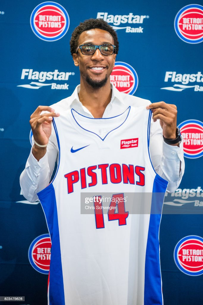 separation shoes 5fb61 154ea Ish Smith of the Detroit Pistons helps introduce two new ...
