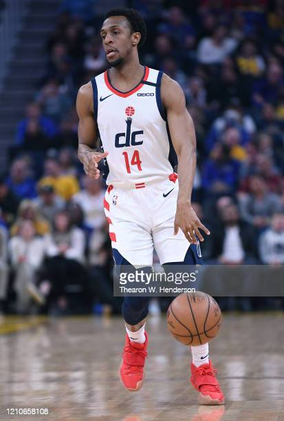 Ish Smith of the Washington Wizards dribbles the ball against the Golden State Warriors during the first half of an NBA basketball game at Chase...