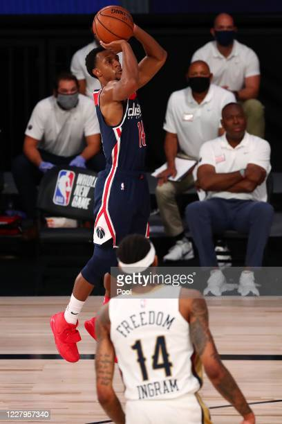 Ish Smith of the Washington Wizards shoots the ball against Brandon Ingram of the New Orleans Pelicans during the fourth quarter in an NBA basketball...