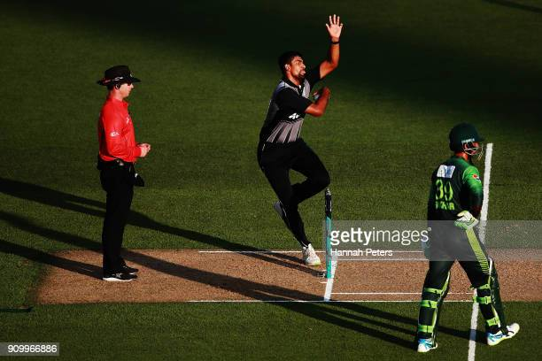 Ish Sodhi of the Black Caps bowls during the International Twenty20 match between New Zealand and Pakistan at Eden Park on January 25 2018 in...