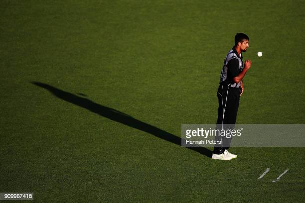 Ish Sodhi of the Black Caps lines up to bowl during the International Twenty20 match between New Zealand and Pakistan at Eden Park on January 25 2018...