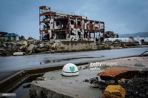 石巻市の 6 ヶ月後に押し寄せる波 - 津波 ストックフォトと画像