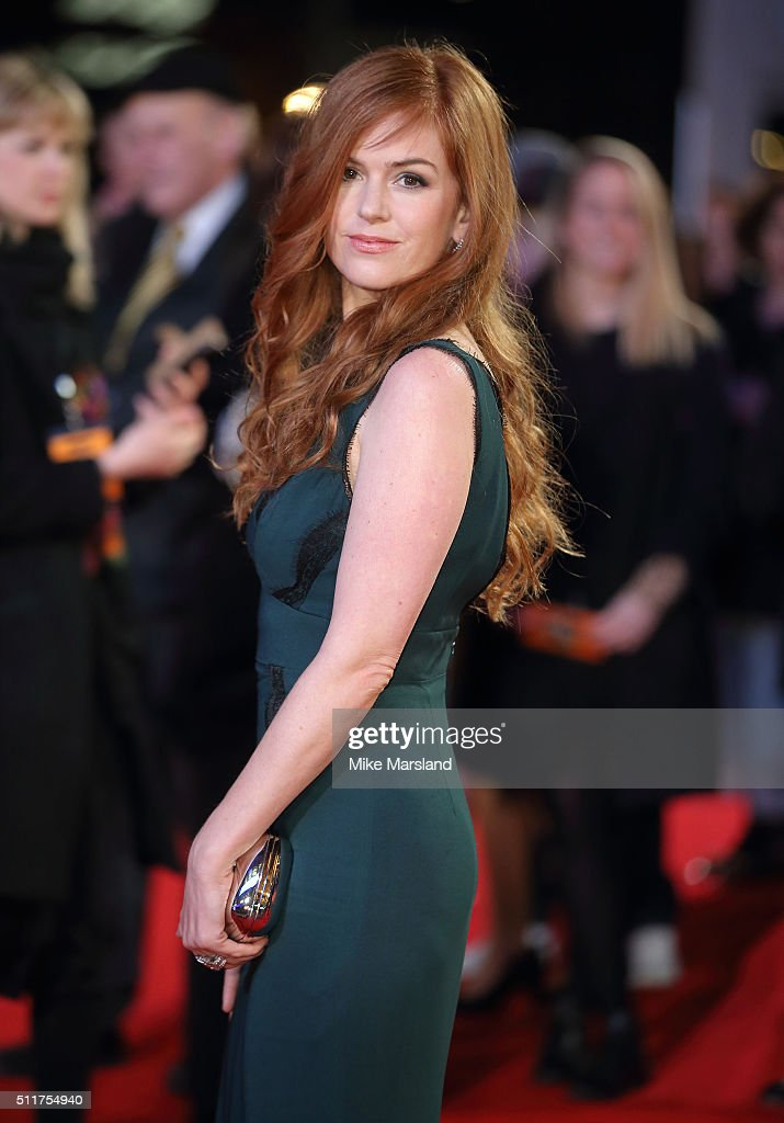 Isla Fisher arrives for the World premiere of 'Grimsby' at Odeon Leicester Square on February 22, 2016 in London, England.