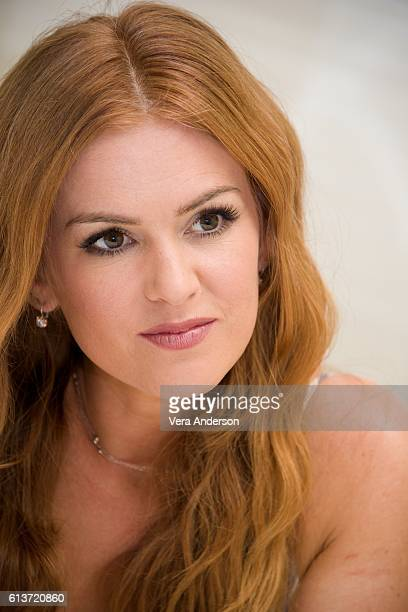 """Isla Fisher at the """"Keeping Up with the Joneses"""" Press Conference at the Fairmont Miramar Hotel on October 8, 2016 in Santa Monica, California."""