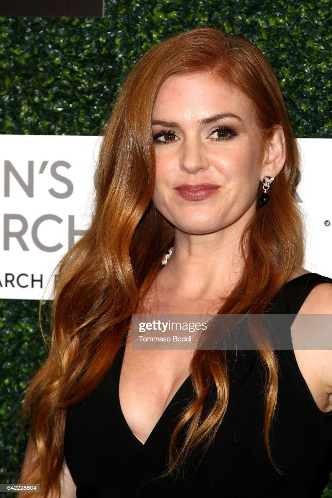 Isla Fisher attends the An Unforgettable Evening held at the Beverly Wilshire Four Seasons Hotel on February 16, 2017 in Beverly Hills, California.