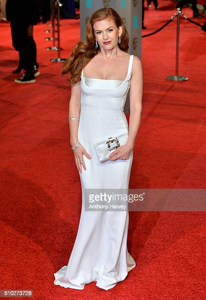 Isla Fisher attends the EE British Academy Film Awards at The Royal Opera House on February 14 2016 in London England