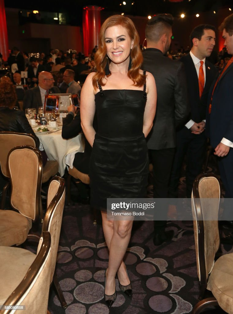Isla Fisher attends The Trevor Project's 2017 TrevorLIVE LA Gala at The Beverly Hilton Hotel on December 3, 2017 in Beverly Hills, California.