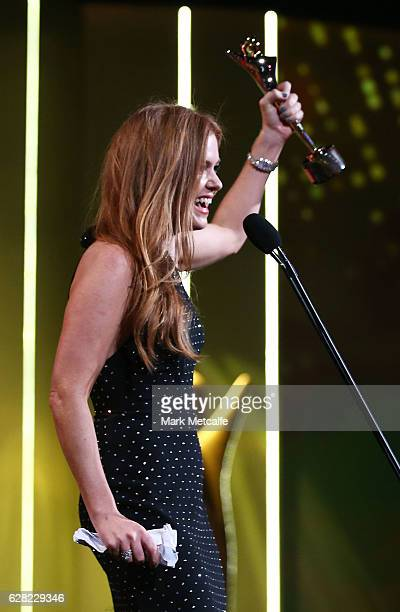 Isla Fisher is awarded the Trailblazer Award at the 6th AACTA Awards Presented by Foxtel at The Star on December 7 2016 in Sydney Australia