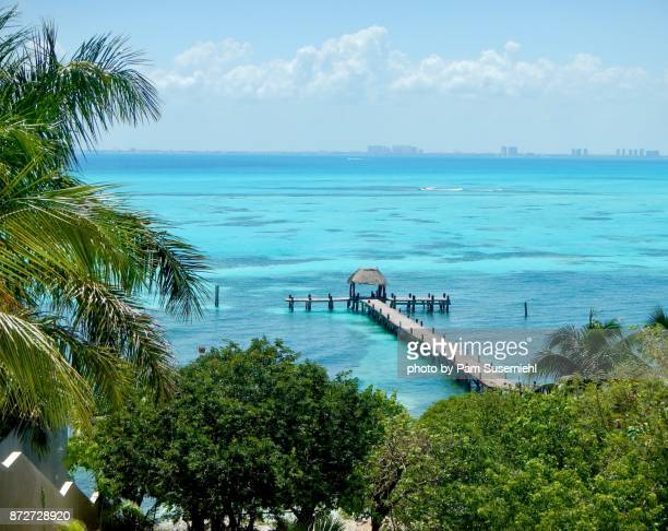 isla mujeres, mexico overlook to cancun - isla mujeres stock pictures, royalty-free photos & images