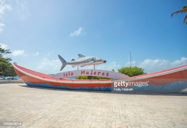 isla mujeres sign - isla mujeres stock pictures, royalty-free photos & images