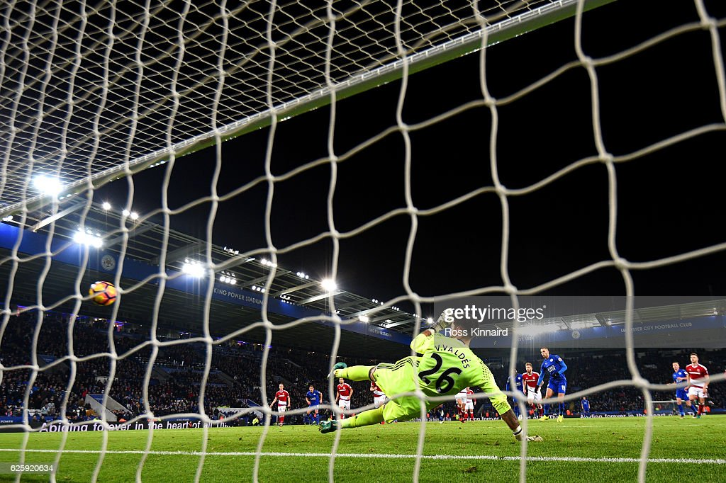 Islam Slimani of Leicester City converts the penalty to score his team's second goal during the Premier League match between Leicester City and Middlesbrough at The King Power Stadium on November 26, 2016 in Leicester, England.