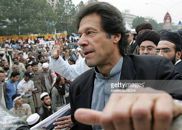 Former cricketer turned politician Imran Khan leads a protest rally against Indian rule in the disputed Himalayan region of Kashmir in Islamabad, 05...