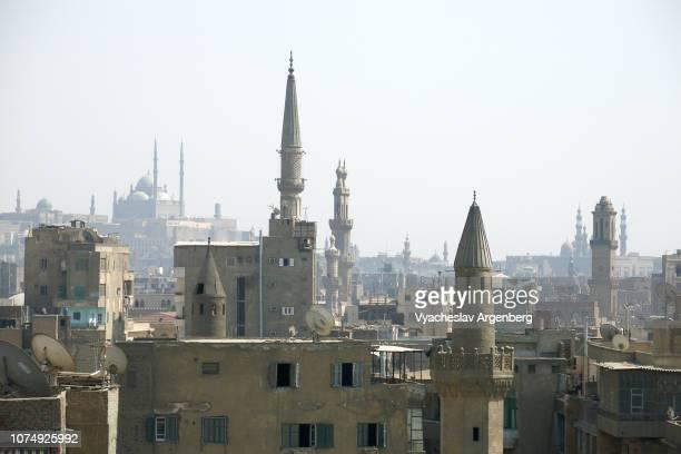islamic cairo: the city of a thousand minarets - kairo stock-fotos und bilder