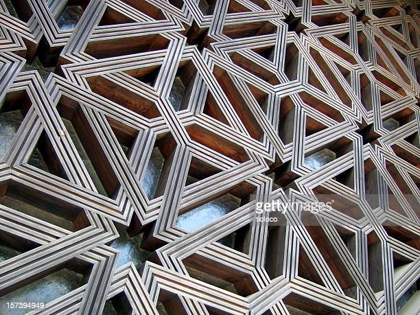 Islamic lattice pattern covering wall