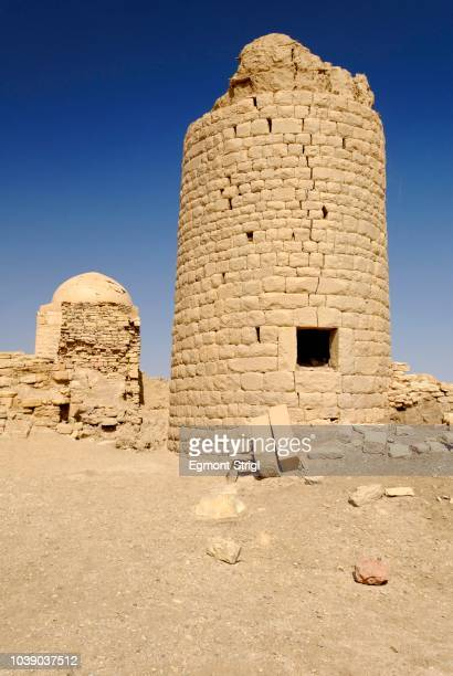 Islamic lookout tower in the ancient city of Baraqish, Yemen, Arabia, Arabian Peninsula, Middle East