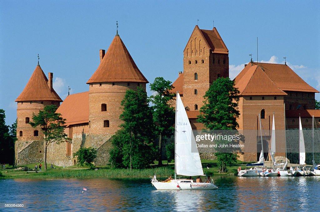 Island Gothic Castle, Lake Galve, Trakai, Lithuania : Stock Photo