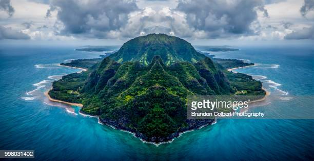 island of kauai - na pali coast stock pictures, royalty-free photos & images