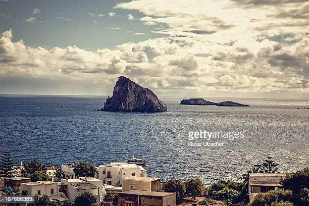 island of panarea with volcanic rock in oc - äolische inseln stock-fotos und bilder