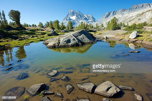 island pass / banner peak - john muir trail stock photos and pictures