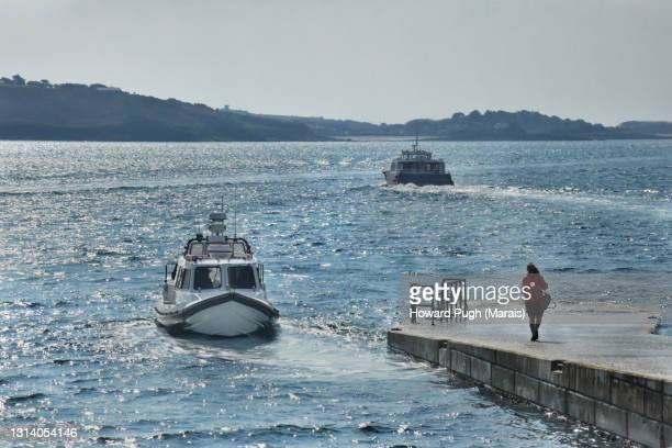 island sea taxis - howard pugh stock pictures, royalty-free photos & images