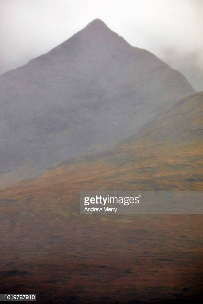 isle of skye mountains in the rain and clouds - ridge stock pictures, royalty-free photos & images