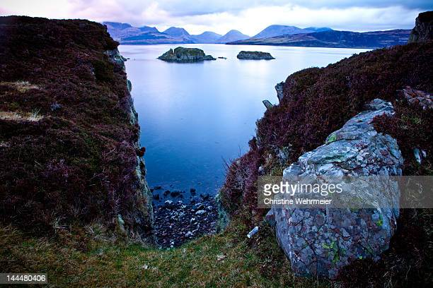 isle of skye on seaside landscape - christine wehrmeier stock pictures, royalty-free photos & images