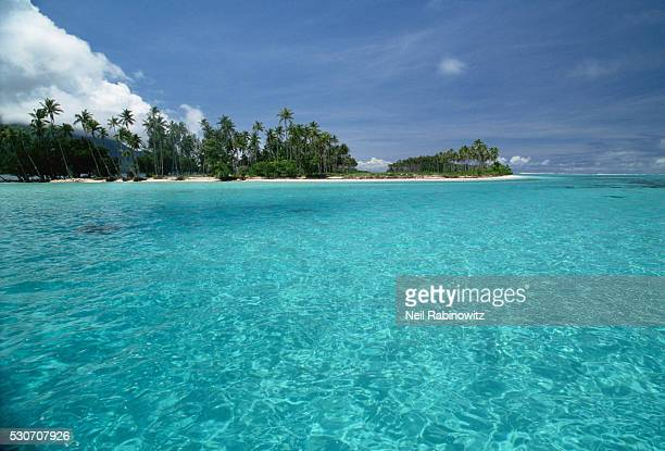 islet off the coast of tonga - barrier_islands stock pictures, royalty-free photos & images