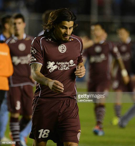 Ismael Blanco of Lanús looks dejected as he walks out of the field after a second leg quarter final match between Bol'ívar and Lanœús as part of Copa...