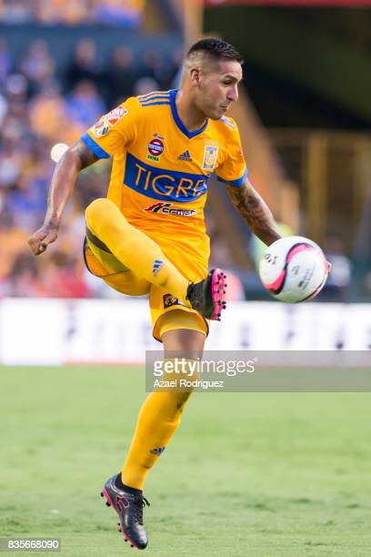 Ismael Sosa of Tigres controls the ball during the 5th round match between Tigres and Pumas as part of the Torneo Apertura 2017 Liga MX at...