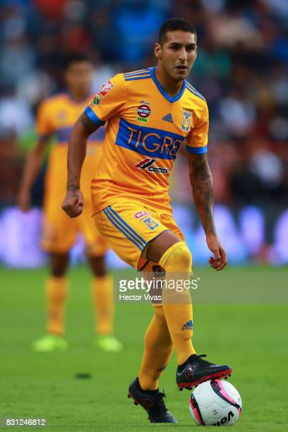 Ismael Sosa of Tigres drives the ball during the 4th round match between Pachuca and Tigres UANL as part of the Torneo Apertura 2017 Liga MX at...