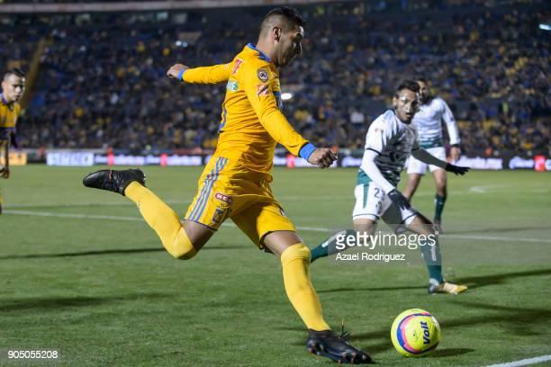 Ismael Sosa of Tigres kicks the ball during the 2nd round match between Tigres UANL and Santos Laguna as part of the Torneo Clausura 2018 Liga MX at...