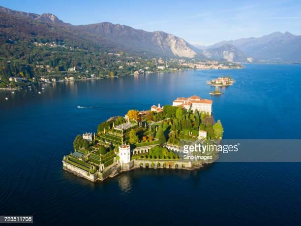 isola bella on lake maggiore, stresa, italy - image foto e immagini stock